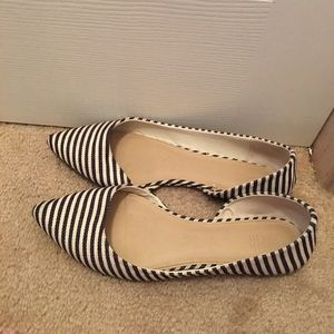 Striped navy flats